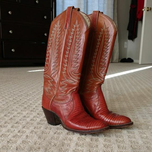 192738a100e Pristine vintage Dan Post Lizard Skin Cowboy Boots